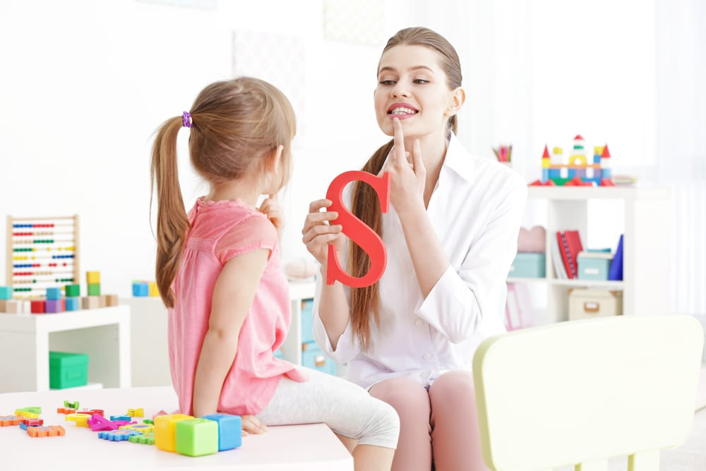 Do you want to attend speech therapy college? Find out how it works!
